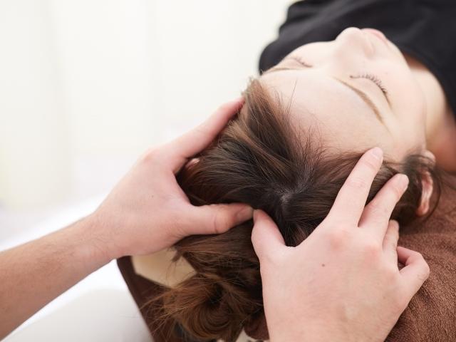 M字ハゲ改善・効果的・頭皮マッサージ法・育毛・抜け毛予防・ツボ